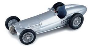 miniature de voiture Mercedes Benz W154 1938 GP France (1:18e) CMC Modelcars Quirao idées cadeaux