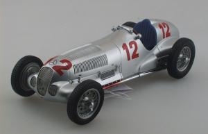 miniature de voiture Mercedes W125 1er Nurburgring 1937 Caracciola (1:18e) CMC Modelcars Quirao idées cadeaux