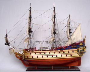 maquette de bateau voilier runabout la licorne bois naturel 80 cm gia nhien quirao id es cadeaux. Black Bedroom Furniture Sets. Home Design Ideas