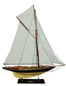 maquette de bateau voilier runabout pen duick 100 cm mistral production quirao id es cadeaux. Black Bedroom Furniture Sets. Home Design Ideas