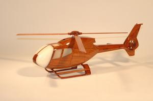 maquette d'helicoptère Eurocopter EC-120 La Collection d'Avions Quirao idées cadeaux