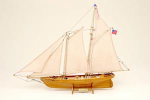 maquette de bateau, voilier, runabout America (petit modèle) Historic Marine Quirao idées cadeaux
