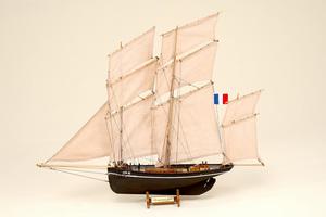 maquette de bateau, voilier, runabout Bisquine Historic Marine Quirao idées cadeaux