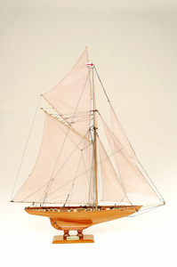 maquette de bateau, voilier, runabout Britannia  - 122 cm Historic Marine Quirao idées cadeaux