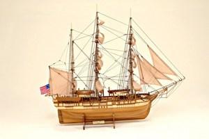 maquette de bateau, voilier, runabout Charles W Morgan Historic Marine Quirao idées cadeaux