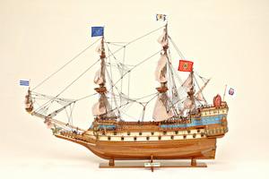 maquette de bateau, voilier, runabout Couronne (La) - 83 cm Historic Marine Quirao idées cadeaux