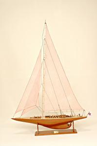 maquette de bateau, voilier, runabout Endeavour Race - 86 cm Historic Marine Quirao idées cadeaux