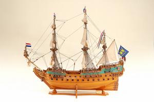 maquette de bateau, voilier, runabout Friesland Historic Marine Quirao idées cadeaux