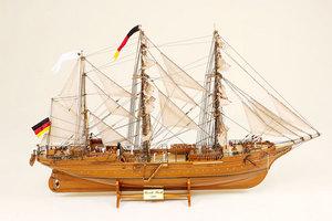 maquette de bateau, voilier, runabout Gorch Fock Historic Marine Quirao idées cadeaux