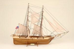maquette de bateau, voilier, runabout Lawrence Historic Marine Quirao idées cadeaux