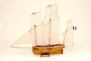 maquette de bateau, voilier, runabout Coureur Historic Marine Quirao idées cadeaux