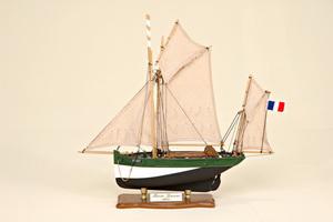 maquette de bateau, voilier, runabout Marie Jeanne Historic Marine Quirao idées cadeaux