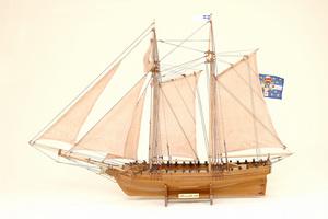 maquette de bateau, voilier, runabout Marseille Historic Marine Quirao idées cadeaux