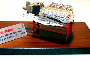 miniature de voiture Moteur Flat 12 3 lt de la Ferrari 312 (1970) MG Model Plus Quirao idées cadeaux