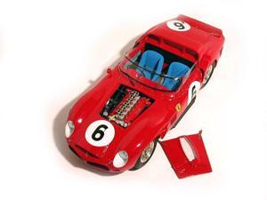 miniature de voiture Ferrari 330 LM Le Mans 62 (1:12e) MG Model Plus Quirao idées cadeaux